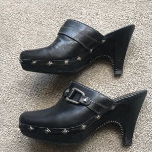 COLE HAAN BLACK STUDDED MULES CLOGS D20925 8.5